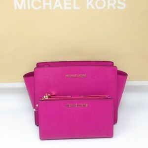 Michael kors crossbody &Double Zip Wristlet wallet